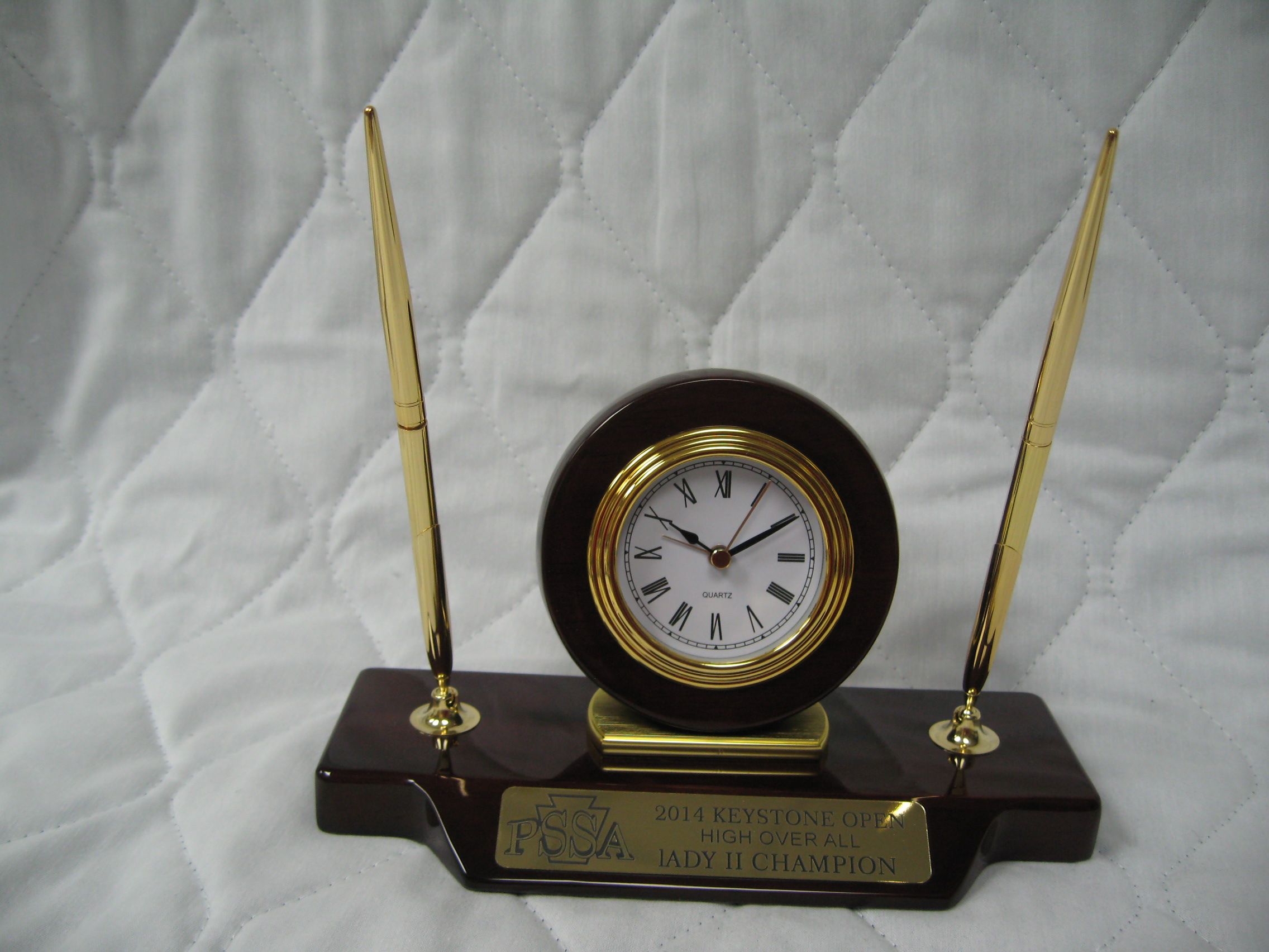 Desk Clock On Base With 2 Pens T154 All American Woodworking Awards